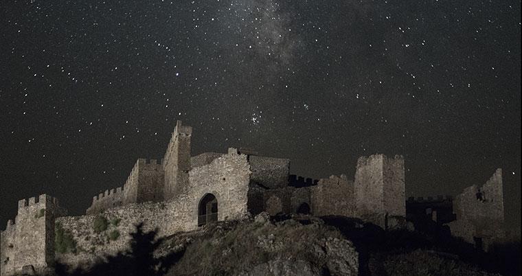 turismo de estrellas y turismo activo con un destino BTT en Montánchez
